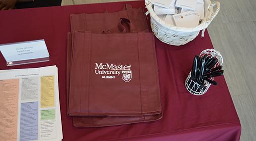 McMaster Alumni Bag